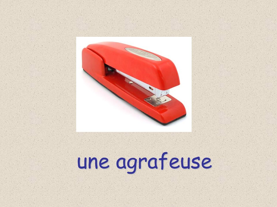 In French, there are In French, there are several ways to say the LA is used in front of LA is used in front of FEMININE NOUNS FEMININE NOUNS la gomme la trousse la règle