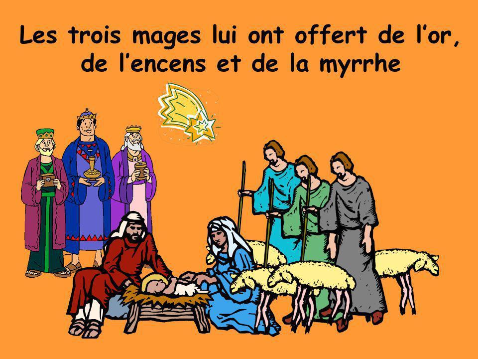Mais la Famille Sainte a dû se sauver en Egypte parce que le roi, Hérod, voulait tuer Jésus.
