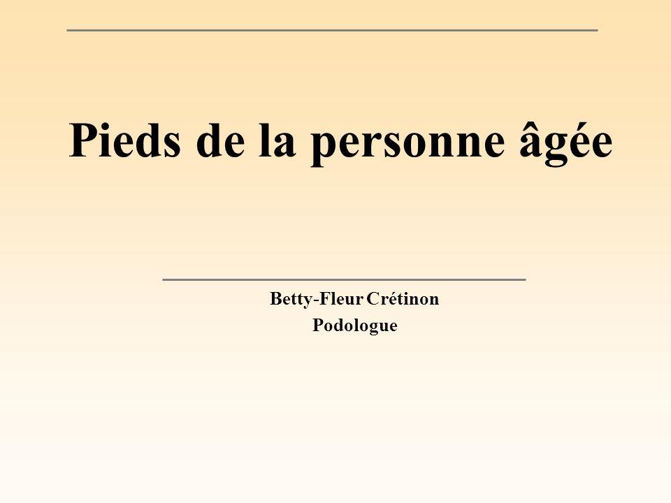 Pieds de la personne âgée Betty-Fleur Crétinon Podologue