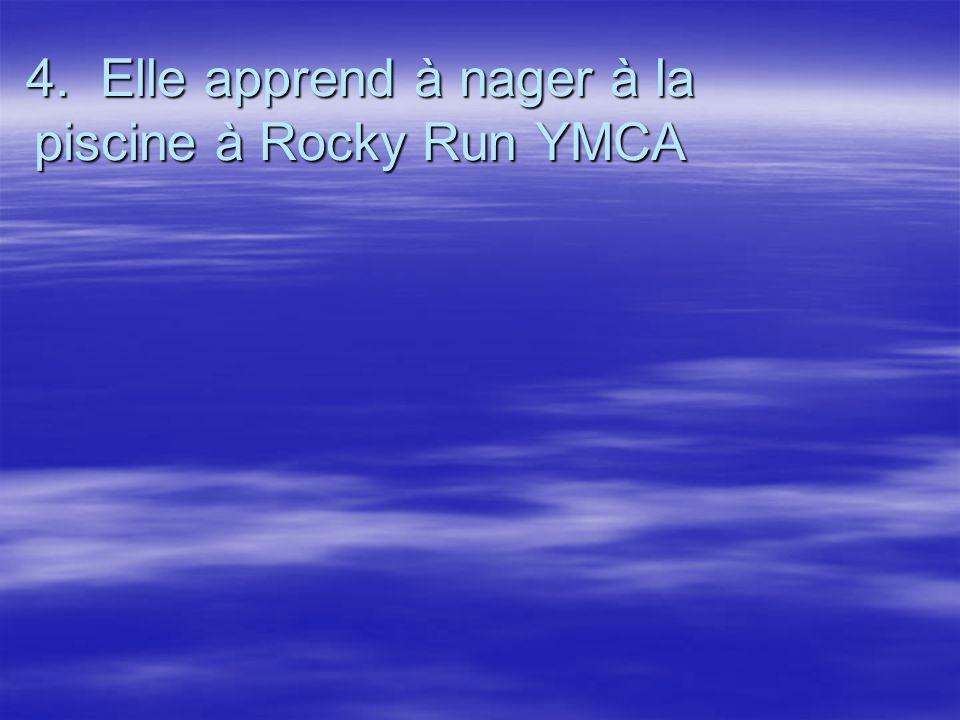 4. Elle apprend à nager à la piscine à Rocky Run YMCA