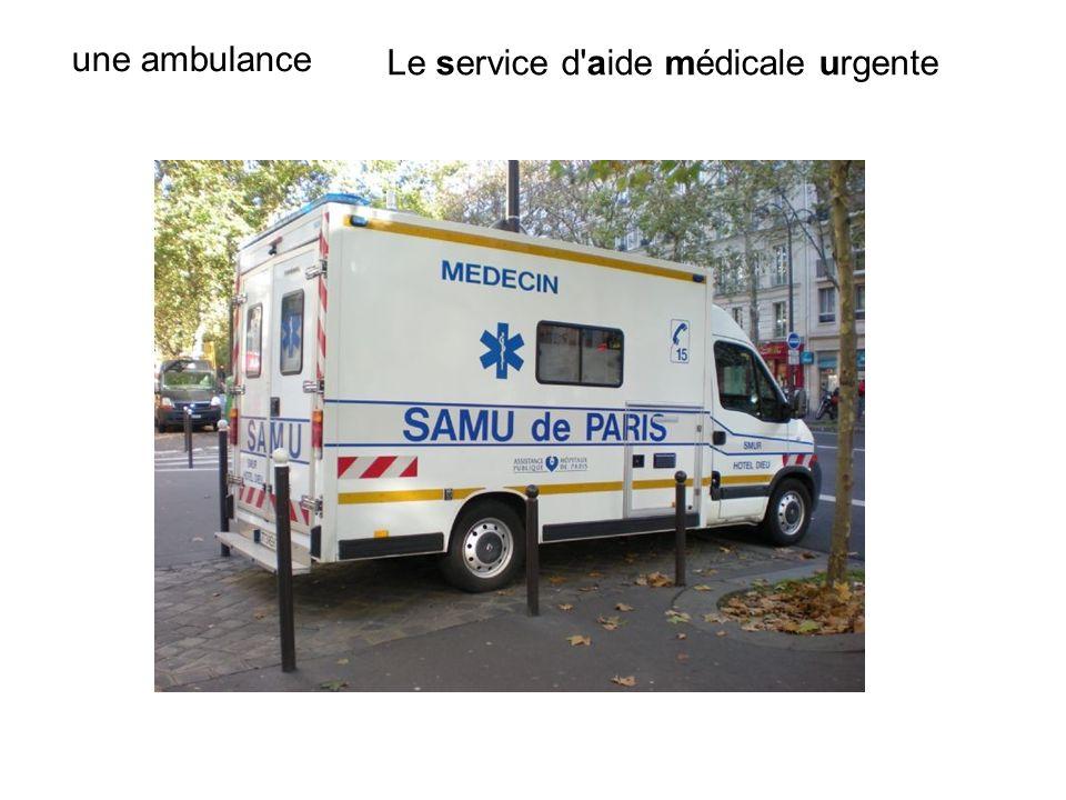 Le service d'aide médicale urgente une ambulance
