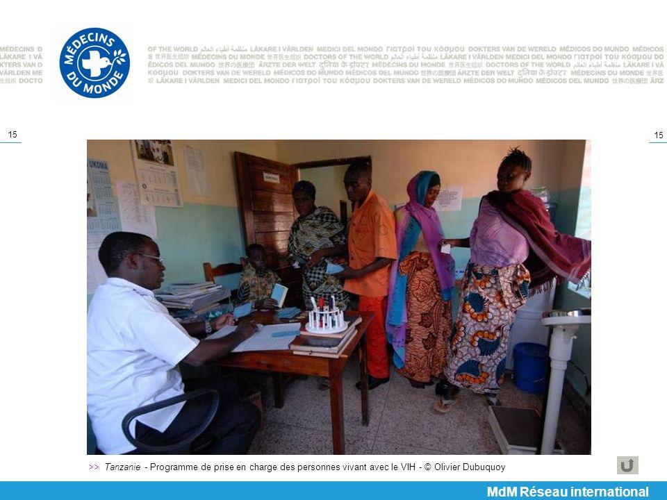 15 >> Tanzanie - Programme de prise en charge des personnes vivant avec le VIH - © Olivier Dubuquoy MdM Réseau international