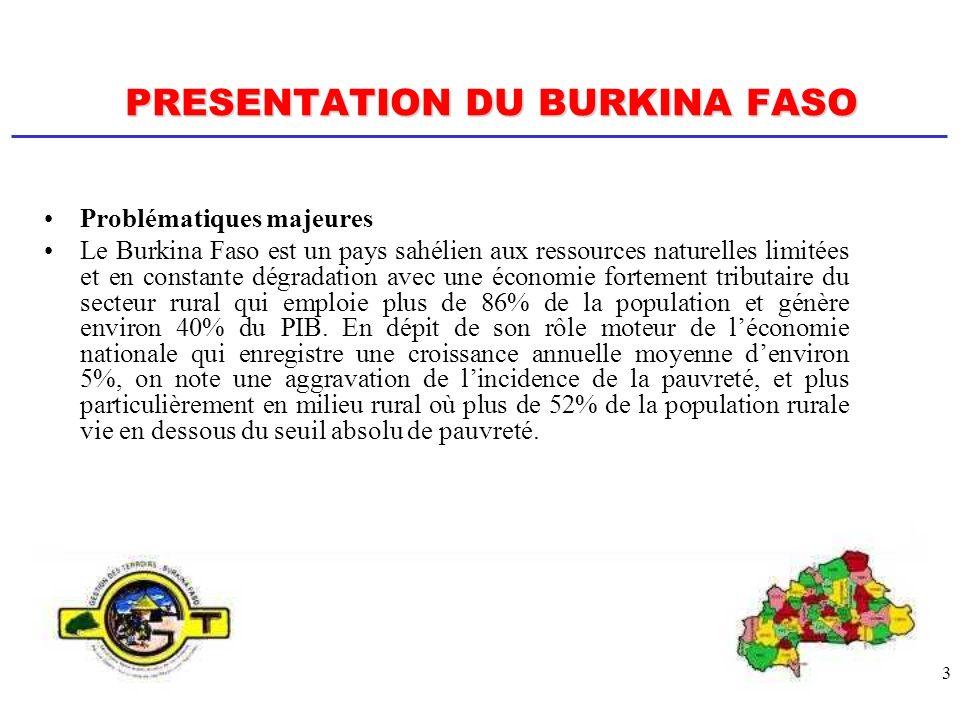 4 PRESENTATION DU BURKINA FASO REFORMES DE LETAT Élaboration du Cadre Stratégique de Lutte contre la Pauvreté (CSLP) axé sur: (i) la promotion du développement rural et de la sécurité alimentaire ; (ii) lamélioration de laccès des populations, notamment pauvres, à leau potable ; (iii) et la protection de lenvironnement et lamélioration du cadre de vie.