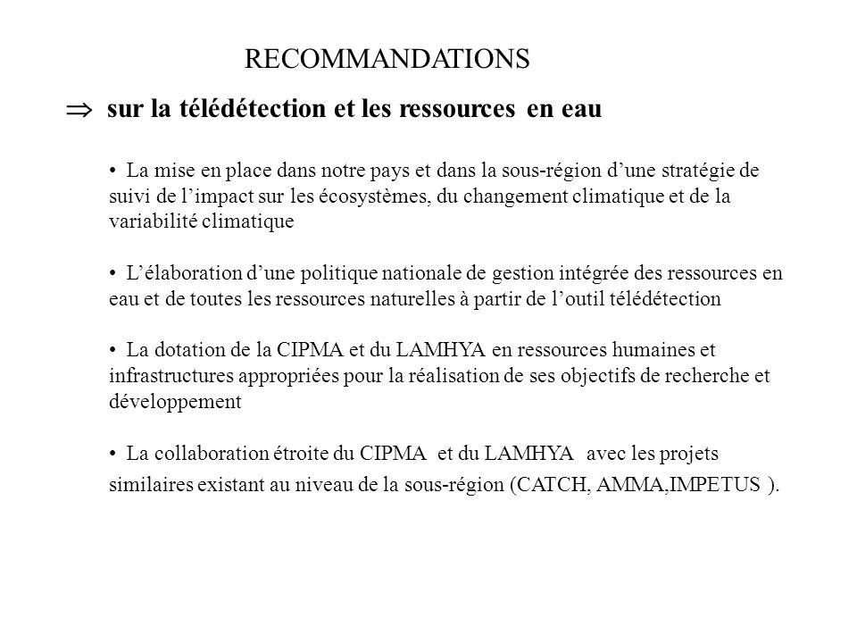 TRAVAUX EN COMMISSION Commission 1 : Télédétection et ressources en eau Commission 2 : Télédétection et écosystèmes Commission 3 : Technologies spatia