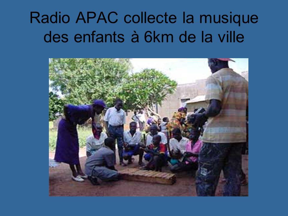 Radio APAC collecte la musique des enfants à 6km de la ville