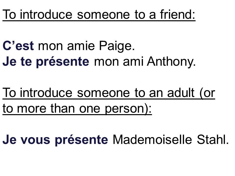 Maggie est la __________ de Lisa. petite sœur