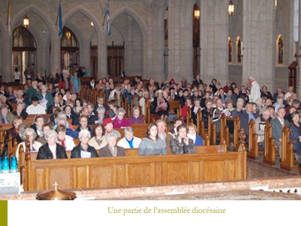 La distribution des huiles aux déléguées des paroisses