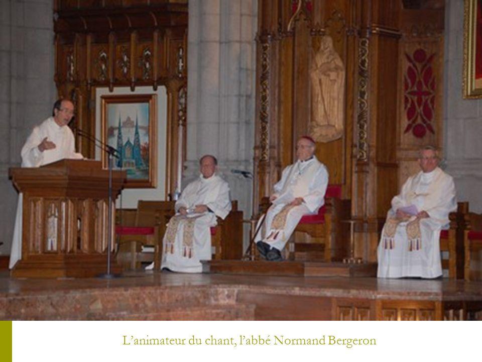 Lanimateur du chant, labbé Normand Bergeron