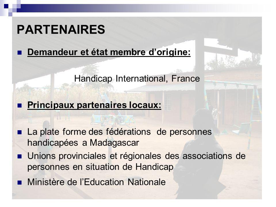 OBJECTIFS L objectif global du projet : - Un plus grand nombre denfants et de jeunes ayant dun handicap est mieux intégré dans la communauté - Lenvironnement éducatif des enfants et jeunes ayant dun handicap est amélioré Objectifs spécifiques : Le droit à léducation et les dispositifs éducatifs des enfants et jeunes ayant dun handicap à Madagascar et notamment dune déficience mentale soient reconnus et défendus