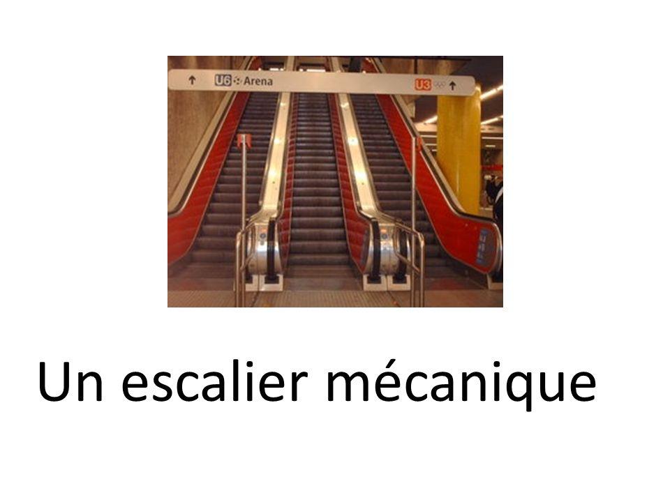 Un escalier mécanique