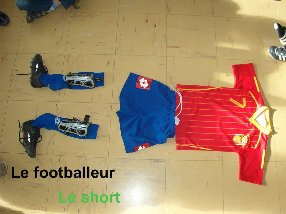 Le footballeur Le short