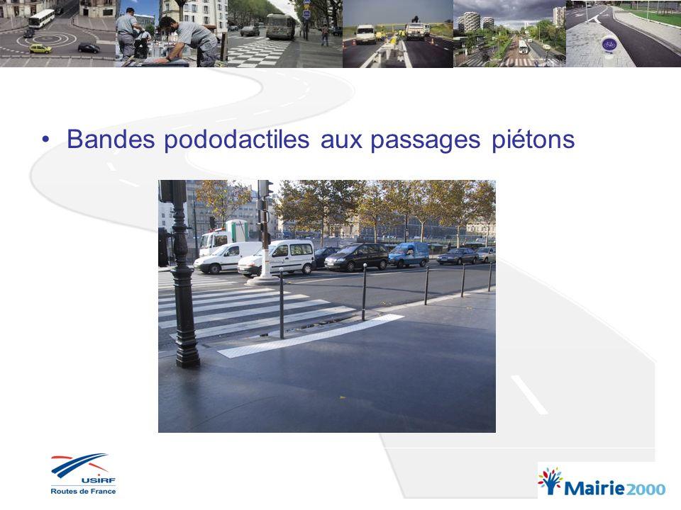 Bandes pododactiles aux bouches de métro ou autres passages souterrains