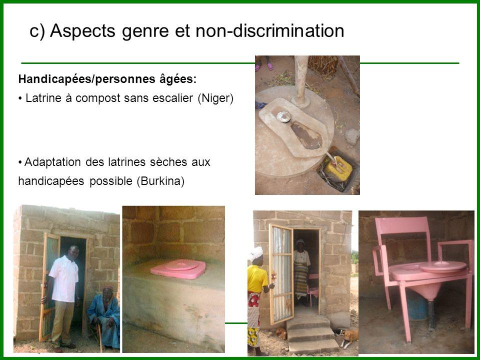Handicapées/personnes âgées: Latrine à compost sans escalier (Niger) c) Aspects genre et non-discrimination Adaptation des latrines sèches aux handica