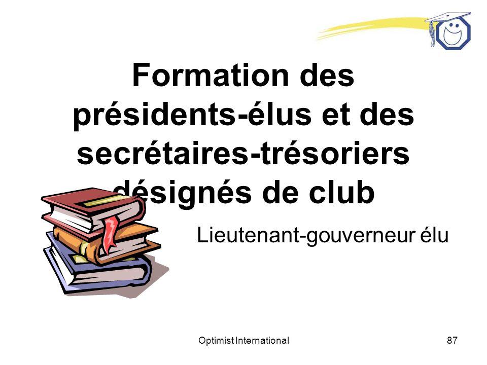 Optimist International86 Jeu de rôle Félicitez le président et les officiers Félicitez le nouveau membre, le membre parrain et remettre à ce dernier lépinglette de parrain.