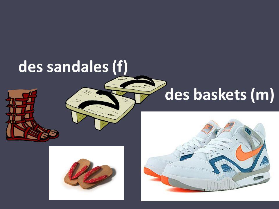 des sandales (f) des baskets (m)