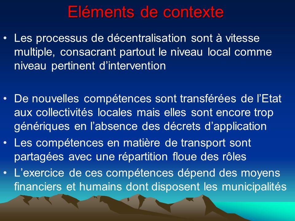 Les transports urbains et la mobilité dans les processus de décentralisation Le processus de décentralisation a connu des fortunes diverses : Au Sénégal, pays le plus avancé, le transport est exclu du champ de compétences des communes.