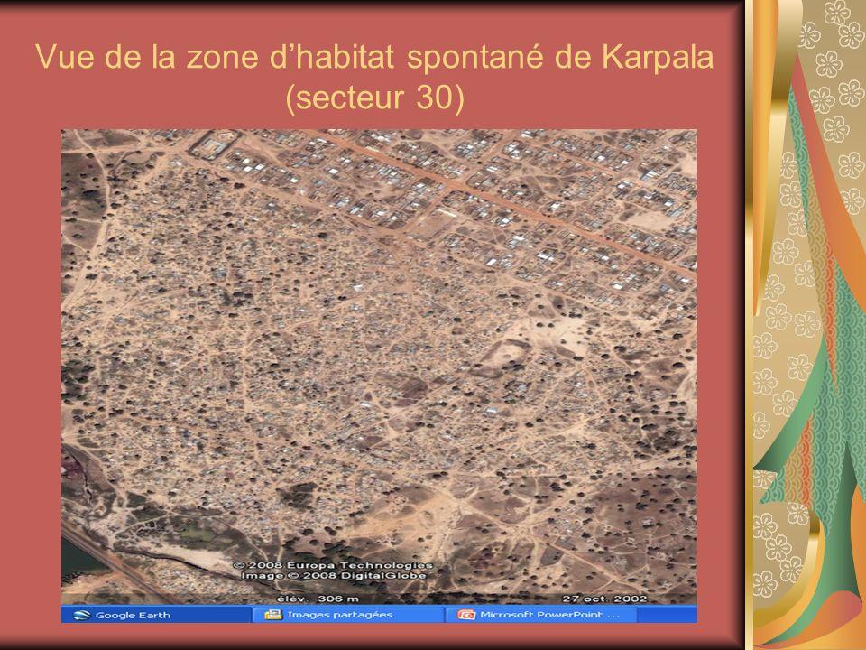 Vue de la zone dhabitat spontané de Karpala (secteur 30)