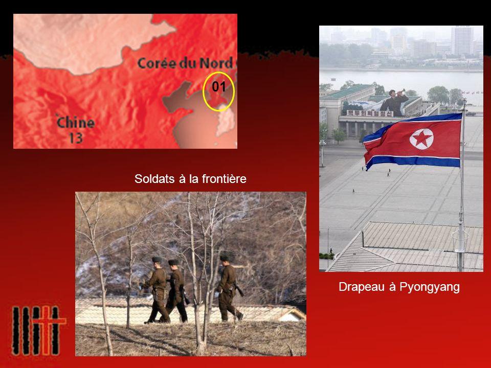 Drapeau à Pyongyang Soldats à la frontière 01