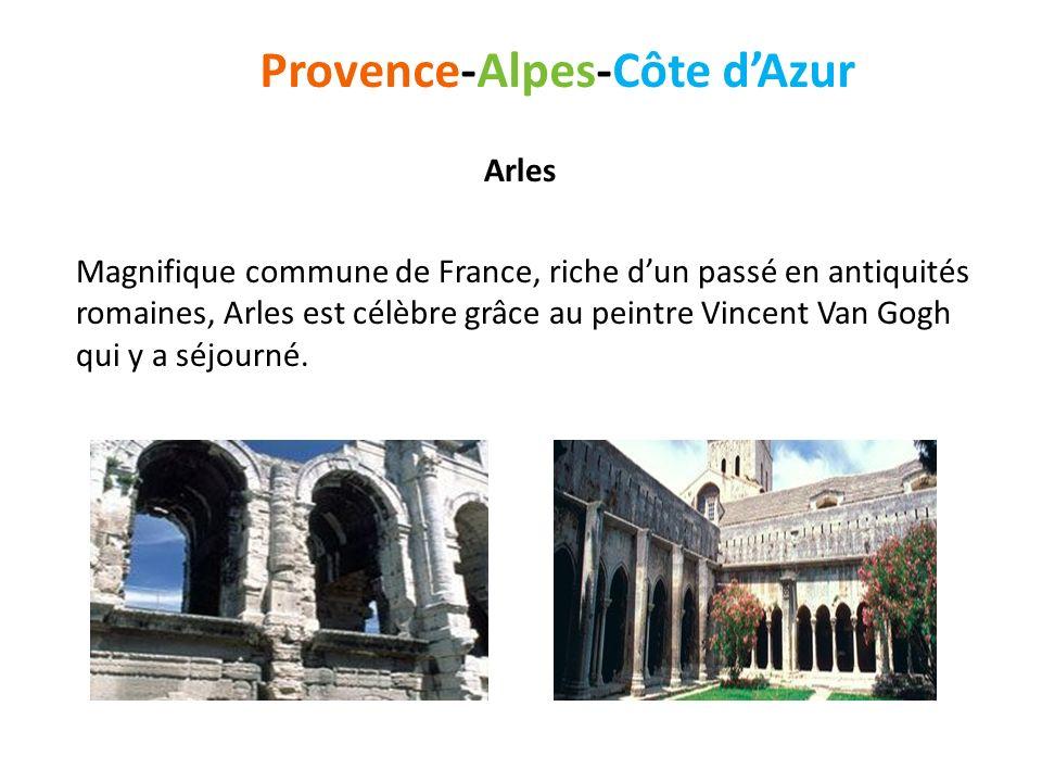 Arles Magnifique commune de France, riche dun passé en antiquités romaines, Arles est célèbre grâce au peintre Vincent Van Gogh qui y a séjourné. Prov