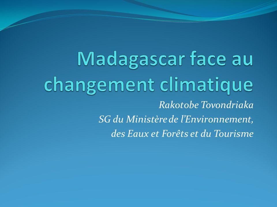 Résultats escomptés Evaluation de limpact du changement climatique sur la biodiversité et sur les moyens de subsistance à Madagascar Recommandations sur la sélection, la connectivité et la gestion des aires protégées face au changement climatique Recommandations pour lintégration des considérations sur le changement climatique dans la planification de développement régional Identification des priorités de recherche