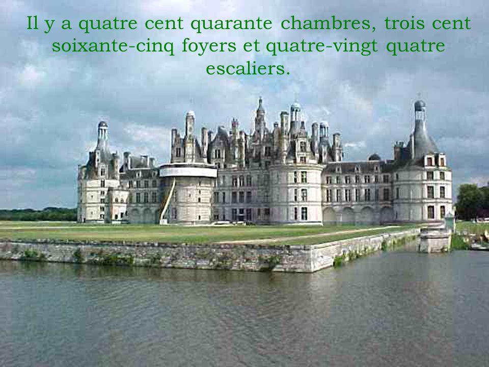Le Château Chambord nétait pas construit pour défense.