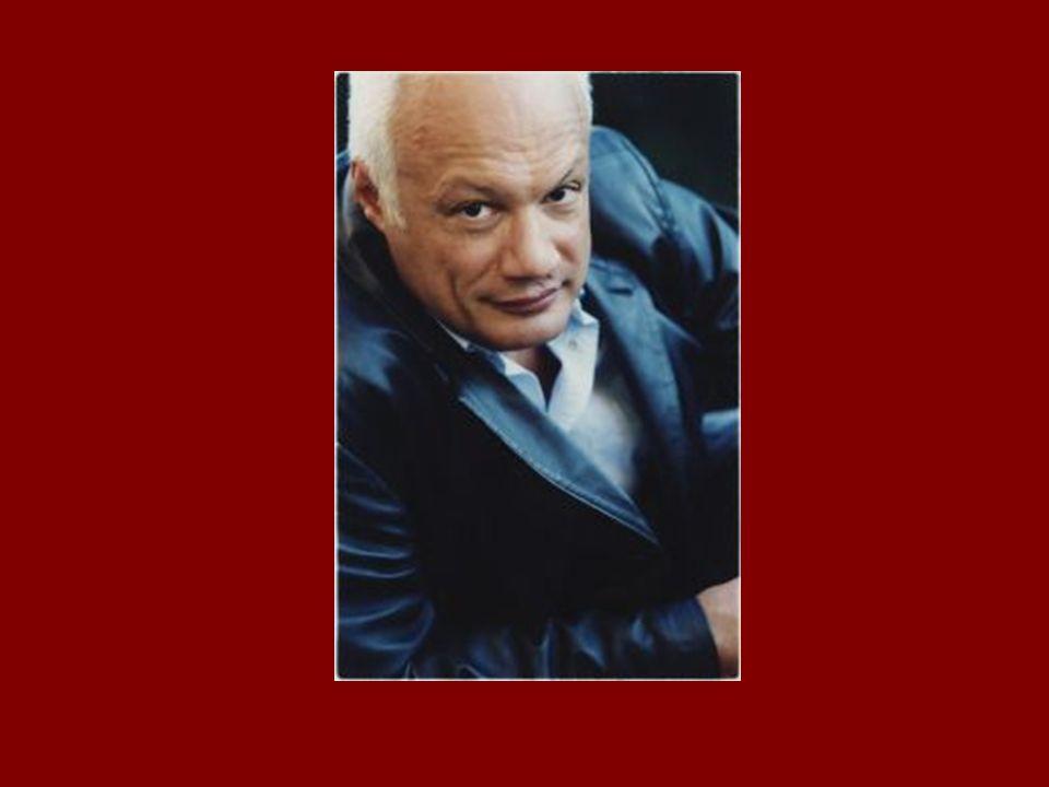 Biographie En 1991, sa première pièce, La Nuit des Valognes , rencontre un succès immédiat.