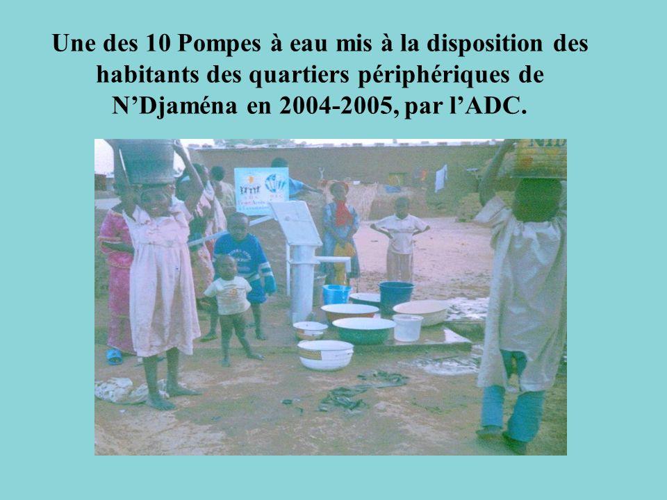 Une des 10 Pompes à eau mis à la disposition des habitants des quartiers périphériques de NDjaména en 2004-2005, par lADC.