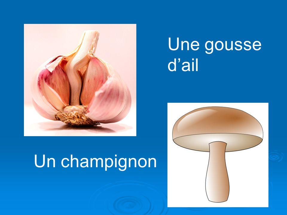 Une gousse dail Un champignon