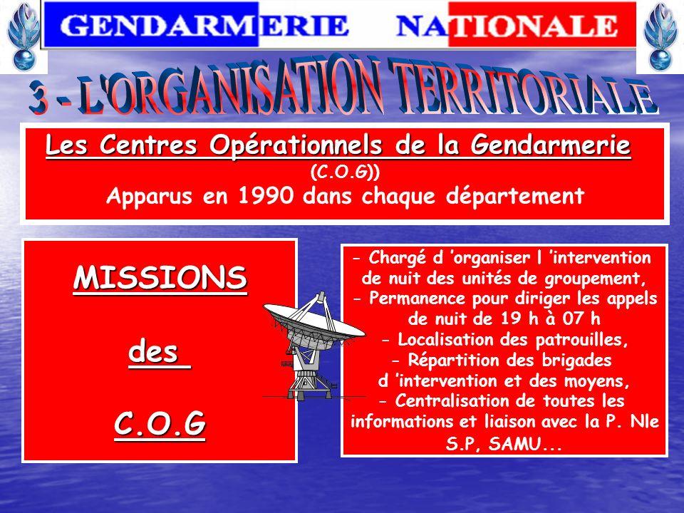 Au 31 décembre 2006, leffectif total est de 105 389 personnels. Les 103 481 militaires de la gendarmerie nationale se répartissent en : 5789 officiers