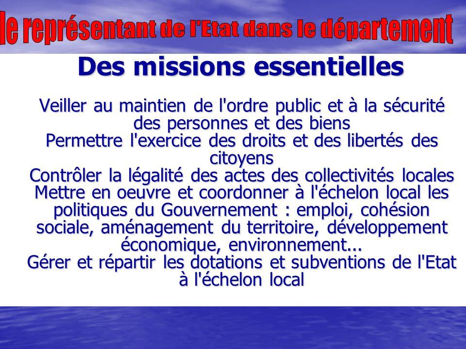 Régions, groupements, compagnies Depuis la réorganisation mise en oeuvre au 1er juillet 2005 (avec la suppression des légions de gendarmerie départementale et de gendarmerie mobile), la gendarmerie comprend trois niveaux d organisation territoriale (D.