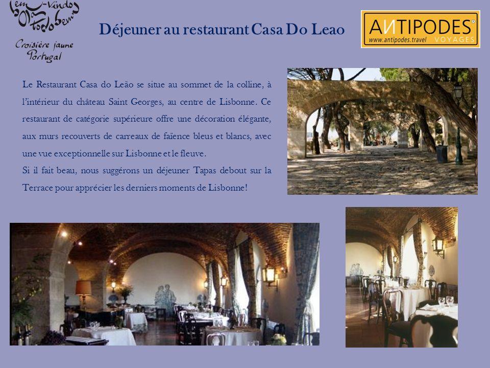 Déjeuner au restaurant Casa Do Leao Le Restaurant Casa do Leão se situe au sommet de la colline, à lintérieur du château Saint Georges, au centre de L