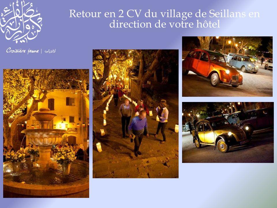 Retour en 2 CV du village de Seillans en direction de votre hôtel