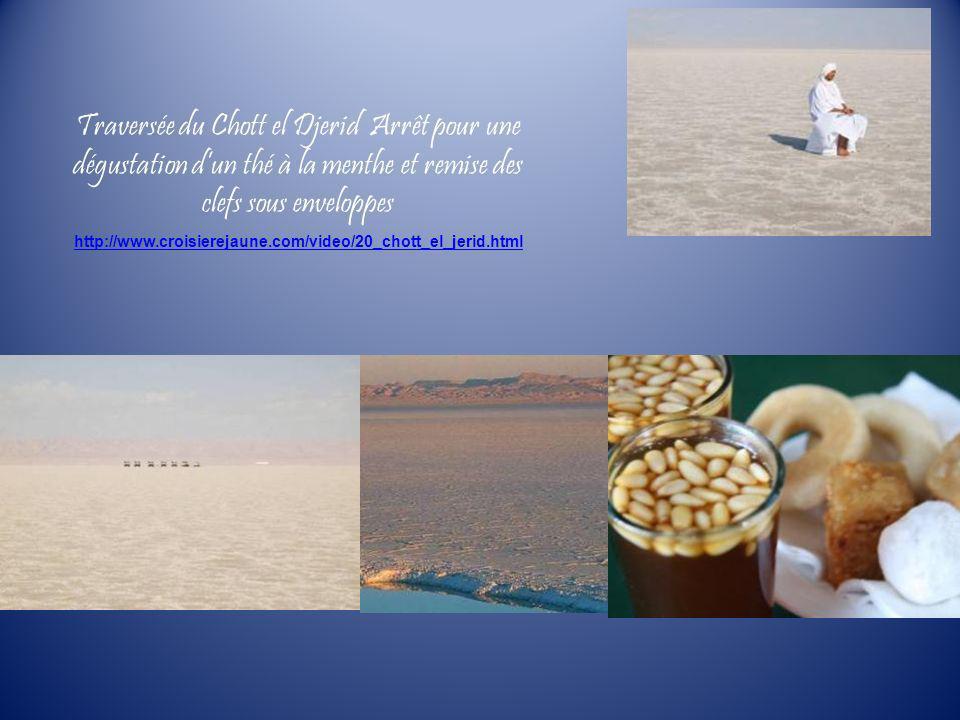 Traversée du Chott el Djerid Arrêt pour une dégustation dun thé à la menthe et remise des clefs sous enveloppes http://www.croisierejaune.com/video/20