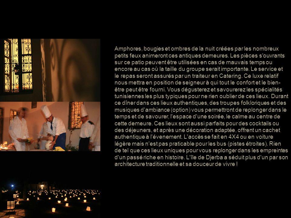 Amphores, bougies et ombres de la nuit créées par les nombreux petits feux animeront ces antiques demeures. Les pièces s'ouvrants sur ce patio peuvent