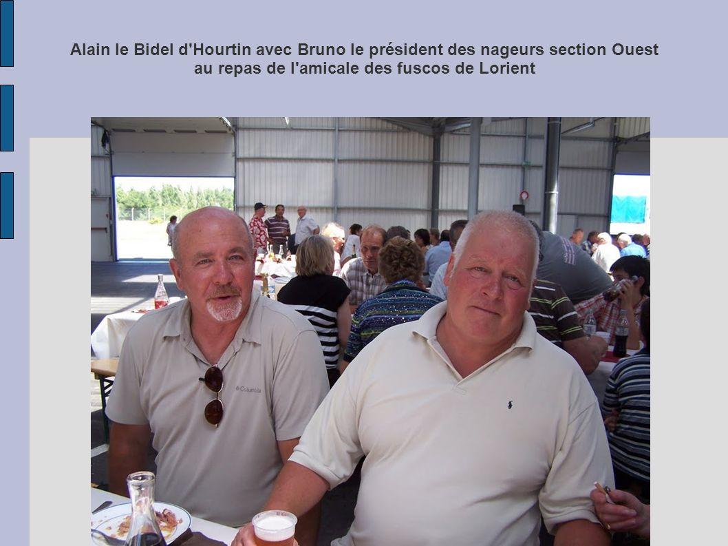Alain le Bidel d Hourtin avec Bruno le président des nageurs section Ouest au repas de l amicale des fuscos de Lorient