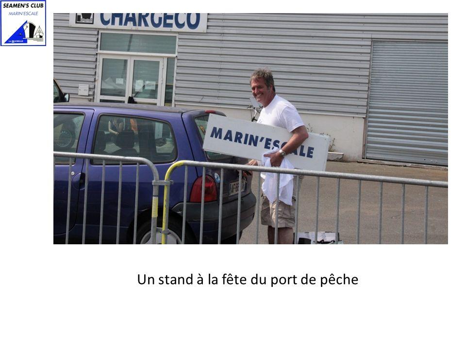 Un stand à la fête du port de pêche