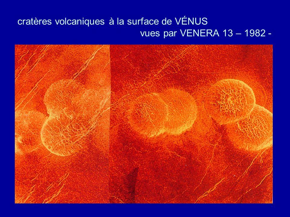 cratères volcaniques à la surface de VÉNUS vues par VENERA 13 – 1982 -