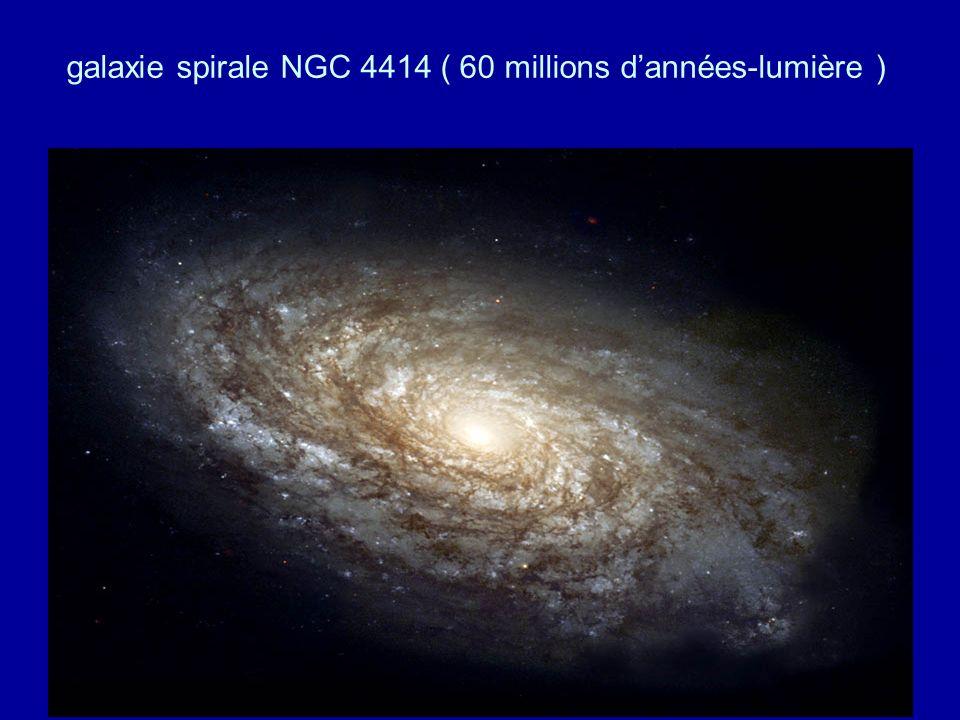 galaxie spirale NGC 4414 ( 60 millions dannées-lumière )
