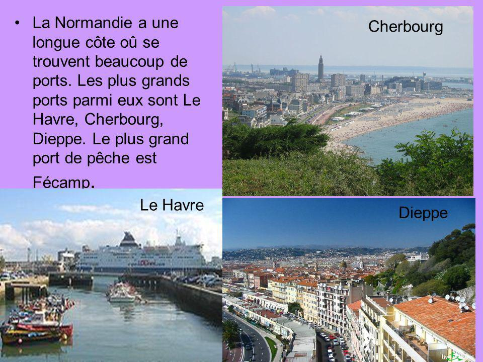 La Normandie a une longue côte oû se trouvent beaucoup de ports. Les plus grands ports parmi eux sont Le Havre, Cherbourg, Dieppe. Le plus grand port