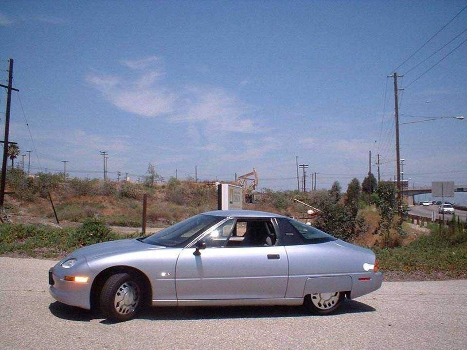 En 1996, la première voiture de série électrique, la EV1 (Electric Vehicle 1), a été fabriquée aux États-Unis par General Motors et distribuée à trave