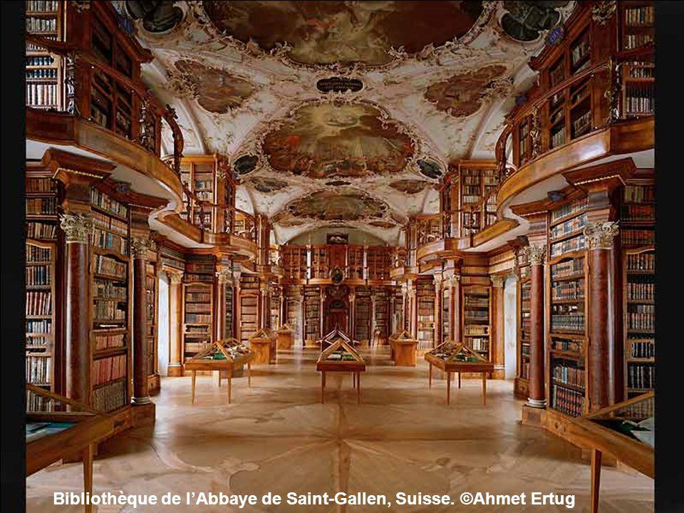 Bibliothèque de lAbbaye de Saint-Florian, Autriche. ©Ahmet Ertug