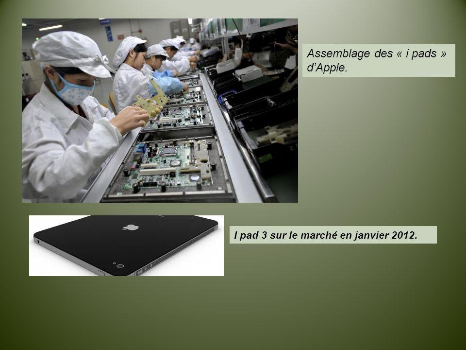 Assemblage des « i pads » d'Apple. I pad 3 sur le marché en janvier 2012.