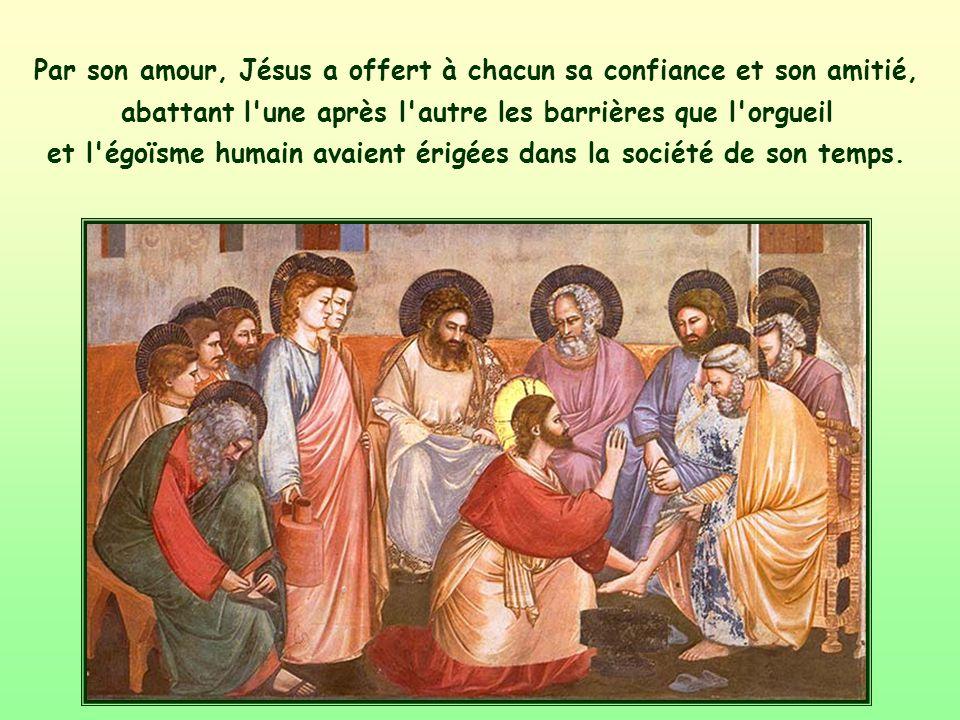 Au cours de sa vie terrestre, Jésus a toujours accueilli tout le monde, en particulier les plus marginaux, les plus pauvres, les plus 'lointains'.