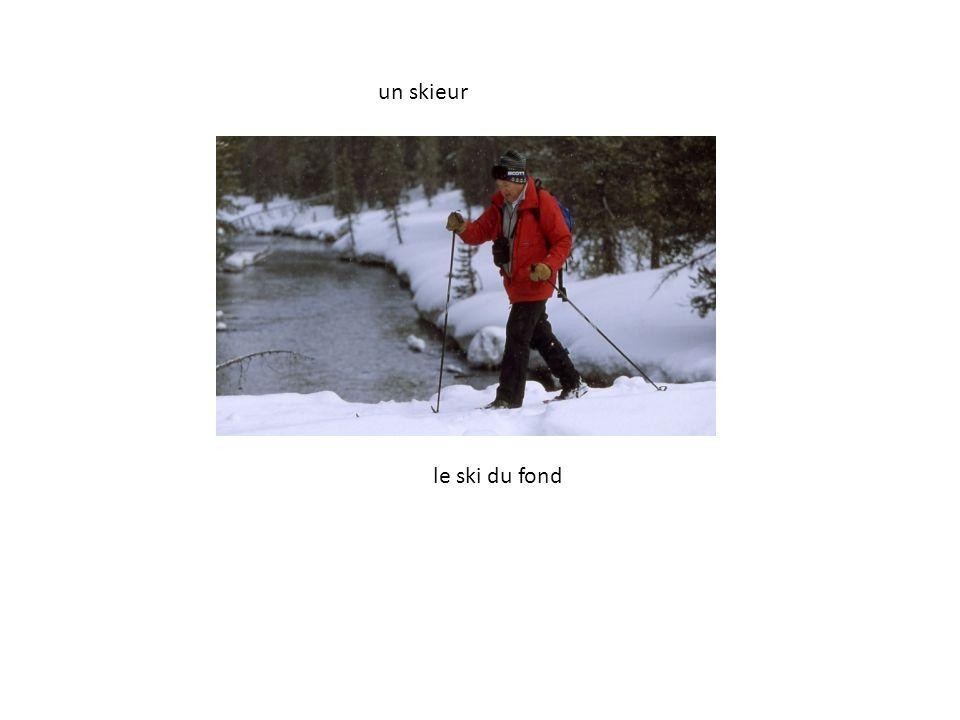 un skieur le ski du fond
