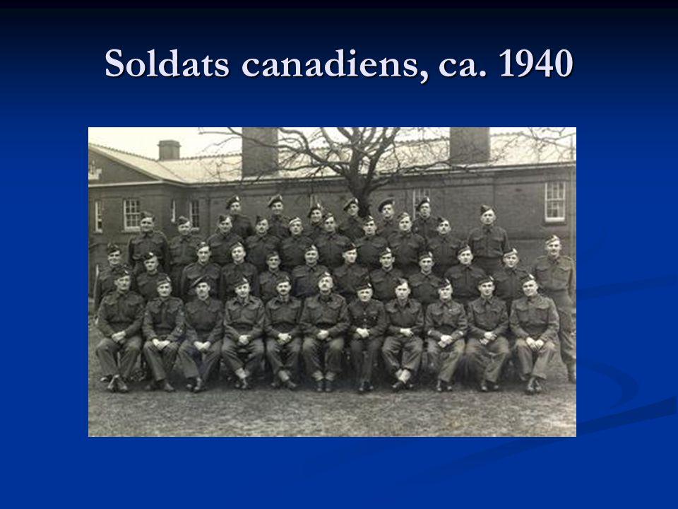 Les forces armées du Canada au début de la guerre Le Canada n'était pas bien préparé pour la guerre : Le Canada n'était pas bien préparé pour la guerre : Armée – 4.000 soldats et 60.000 en réserve Armée – 4.000 soldats et 60.000 en réserve Marine – 3.000 membres Marine – 3.000 membres Forces aériennes (ARC) – 4.000 membres Forces aériennes (ARC) – 4.000 membres Très peu de soldats canadiens étaient impliqués dans la guerre avant 1942.