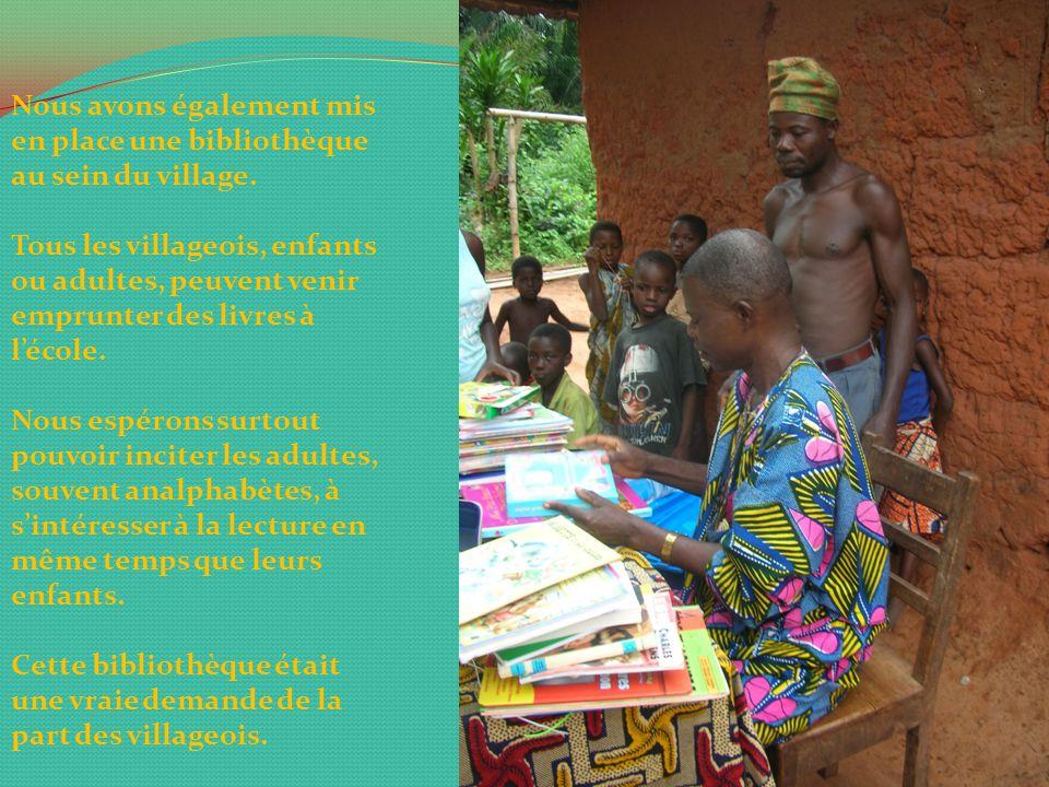 Afin de nous rendre compte nous même de l'état du nouveau bâtiment de l'école, nous nous sommes rendues toutes les 6 au Bénin cet été.