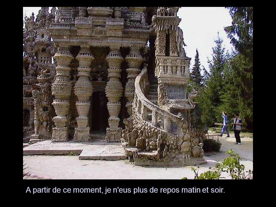 Le monument est supporté par 8 murailles dont la forme des pierres est des plus pittoresques.