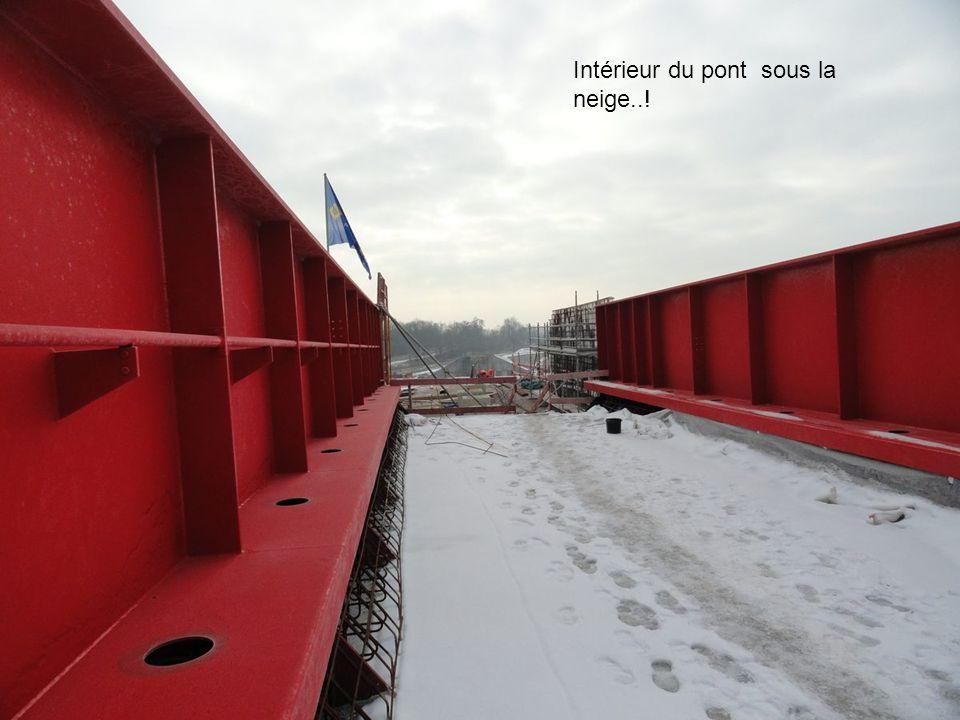 L'intérieur du pont nord sur la voie Paris Strasbourg Ici le TGV passera à l'intérieur du pont à ce niveau...
