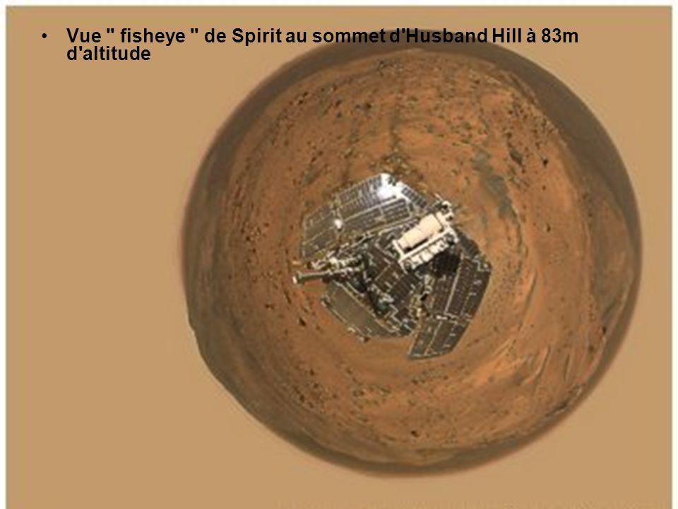 En montant sur les Columbia Hills, le rover Spirit va analyser un ensemble de roches formant un surplomb (au centre), baptisé Larry s Outcrop .
