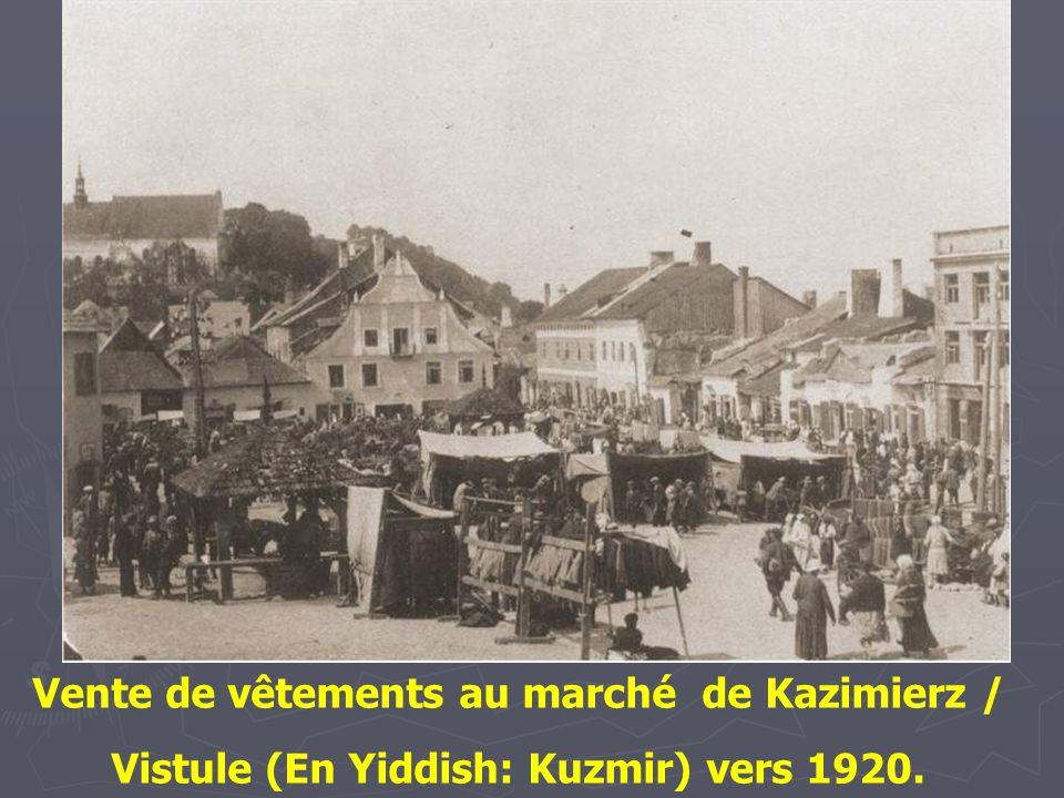 Jour de marché à Kremieniec, 1925. Un des plus anciens peuplements de Pologne orientale.